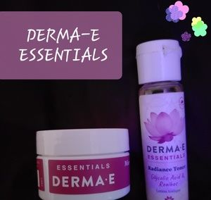 DERMA-E ESSENTIALS TONER & SCRUB BUNDLE